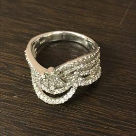 石の付いたデザインの良いリング買取致しました♪