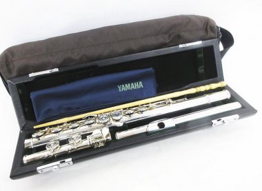 学生時代に買った管楽器がお家に眠っていませんか?中古管楽器買取致します。トランペット フルート ラッパ バイオリン等