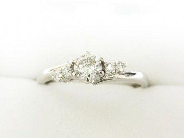 立爪ダイヤ付きプラチナリング 婚約指輪 ネーム記載ありでも買取できます!