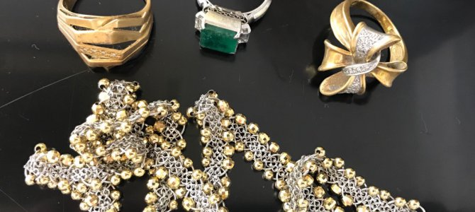 貴金属 金・プラチナ のリングやネックレス、ブレスレットを売る方が増えております☆リサイクルショップ リバース 東広島店 三原店 尾道店 喜平 ピアス 金歯 インゴット ダイヤモンド
