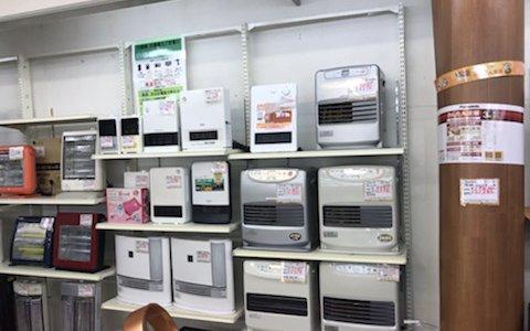 中古 暖房家電 たくさん入荷しております。リサイクルショップ リバース尾道店 尾道市 天満町15-12 電気ストーブ 石油ファンヒーター ブルーヒーター デロンギ オイルヒーター 電気カーペット等