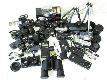 使っていないカメラや双眼鏡喜んで買取致します。年代物も諦めずお持込下さい。リサイクルショップ リバース 東広島 三原 尾道