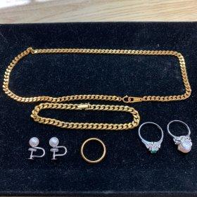 相場高騰中の金やプラチナの指輪とネックレス、ブレスレット買い取りました♪ リバース竹原店 換金 竹原市役所横