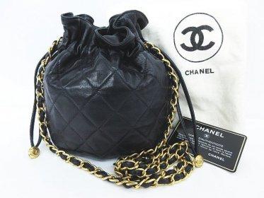 CHANEL シャネル ラムスキン マトラッセ 巾着型 チェーン ショルダー バッグ 鞄 ブラック 黒 保存袋 ギャランティカード付