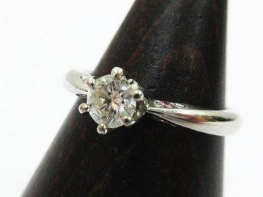 Pt900 ダイヤモンド 7号 リング 0.269ct メレ 0.042ct 総重量3.4g 買い取りました!