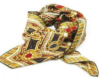 CHANEL シャネル スカーフ ストール 大判 総柄 宝石 ブラウン×マルチカラー 95cm×95cm買い取りました!